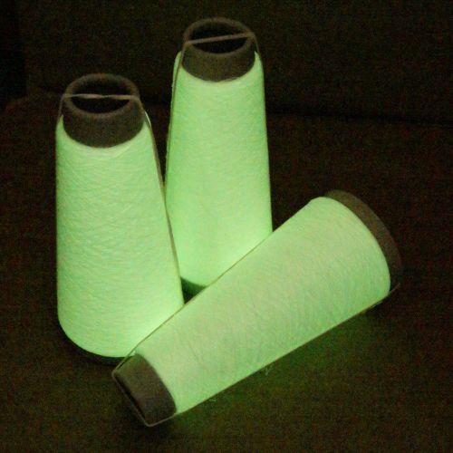 101. 'Glow in the Dark' Lurex - Green
